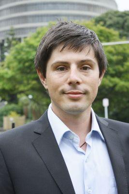 Gareth hughes Greens Niki Lomax NZ Politics Daily - Bryce Edwards Otago University liberation blog - www.liberation.org.nz