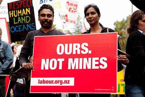 Mining NZ Politics Daily - Bryce Edwards Otago University liberation blog - www.liberation.org.nz